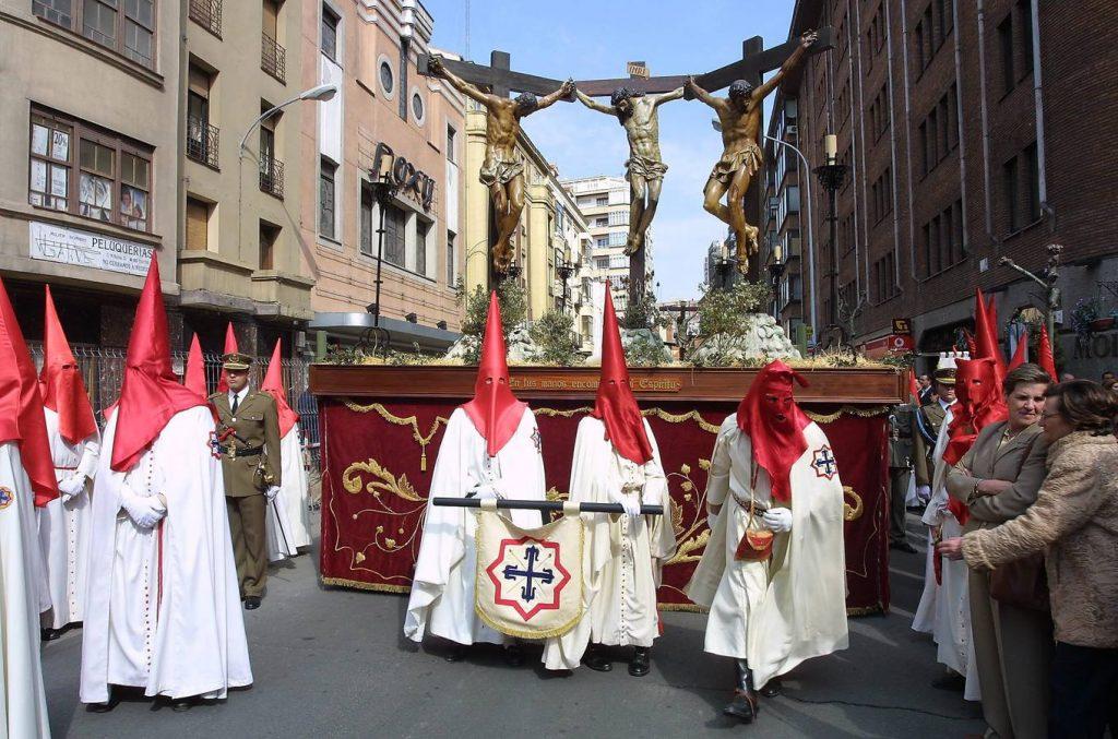 Un año más, Valladolid contará con presencia de instituciones internacionales el Viernes Santo para vivir el Sermón de las Siete Palabras y la Procesión General