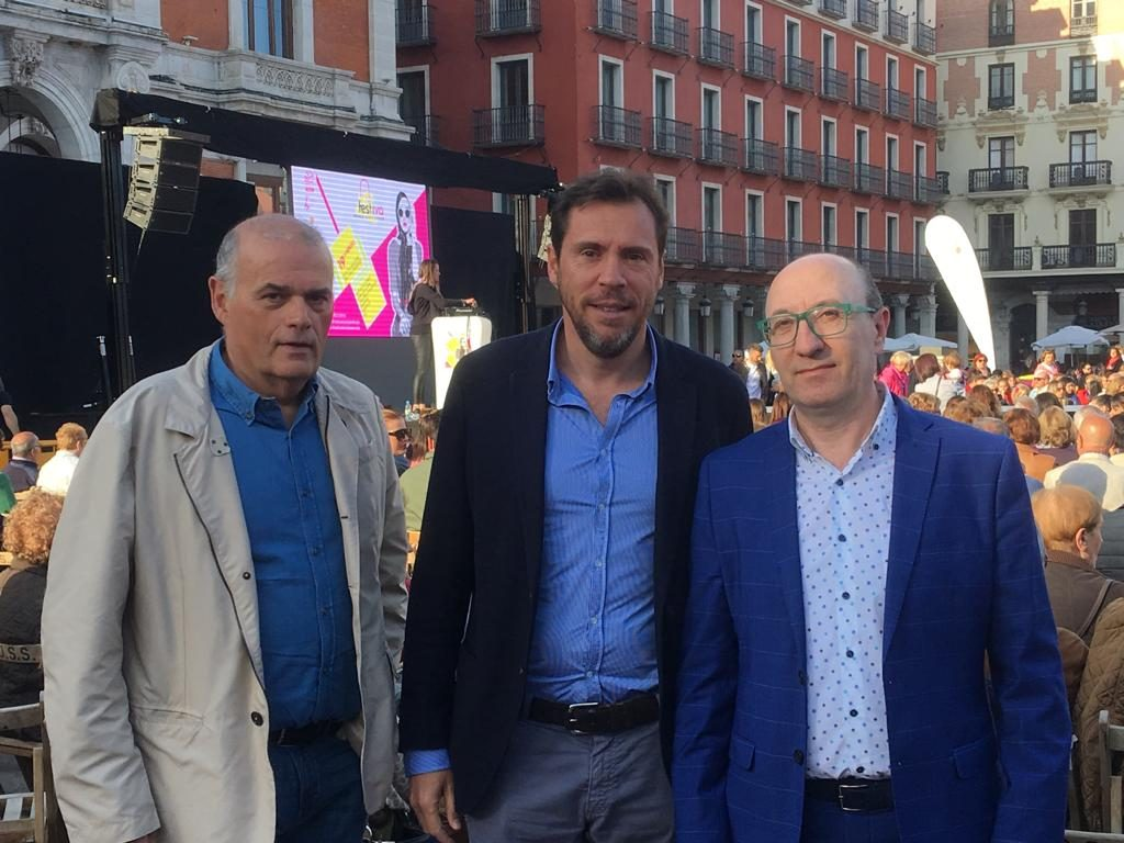 Más de 4.500 personas acuden a FESTIVA,  el primer festival de tiendas de Valladolid celebrado hoy en la Plaza Mayor